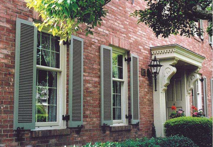 photos brick homes shutters