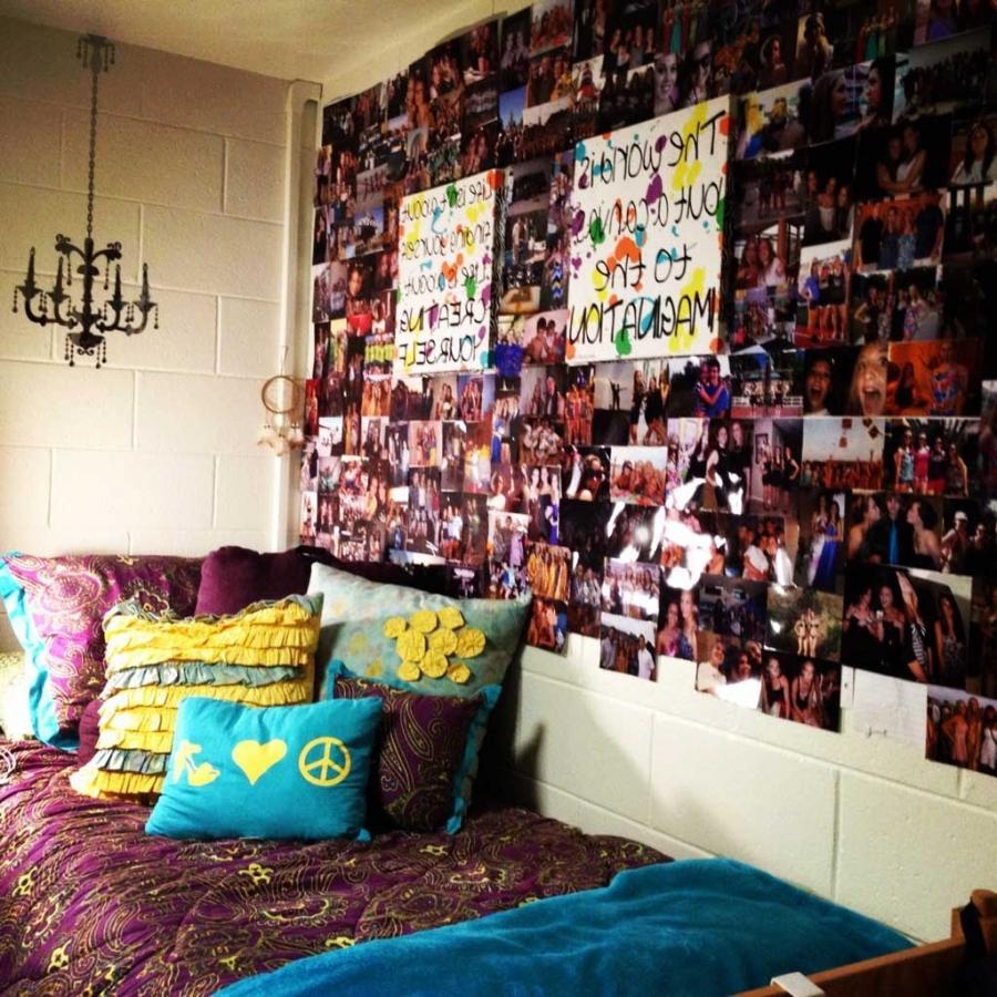 Dorm Room Photo Display Ideas