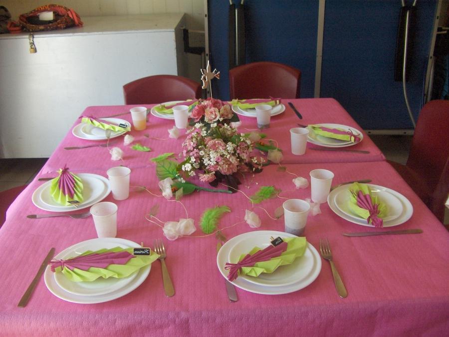 Photo de decoration de table pour bapteme for 0co om cca 9 source table
